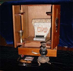 Bornedal skal instruere Sam Raimi's 'Dibbuk Box'