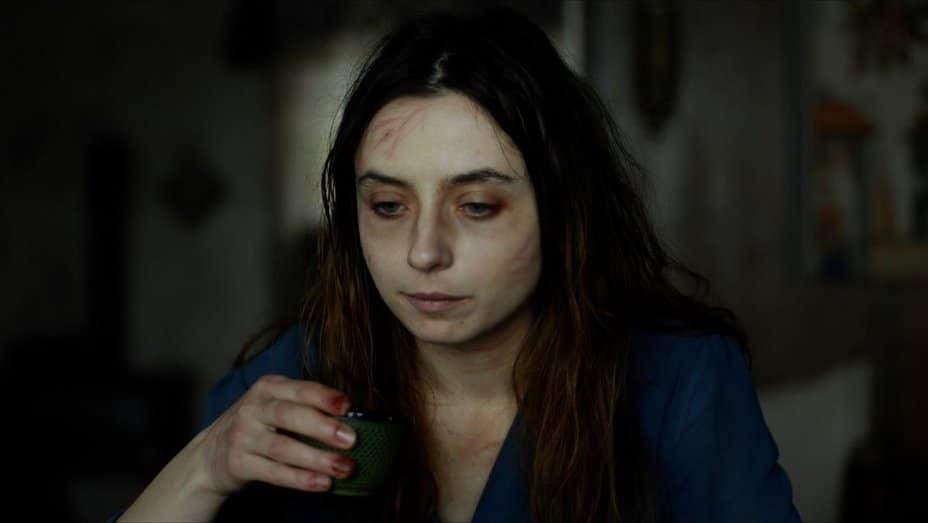 Shelley anmeldelse - Cosmina Stratan spiller Elena