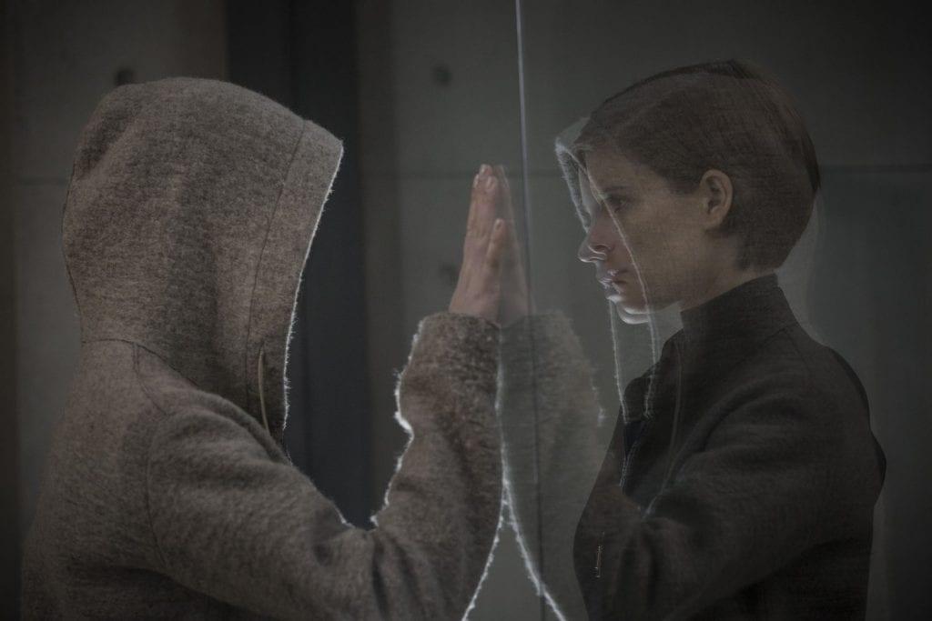 Morgan anmeldelse - Anya Taylor-Joy og Kate Mara